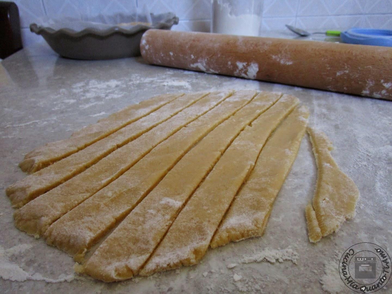 crostata con crema di nocciole