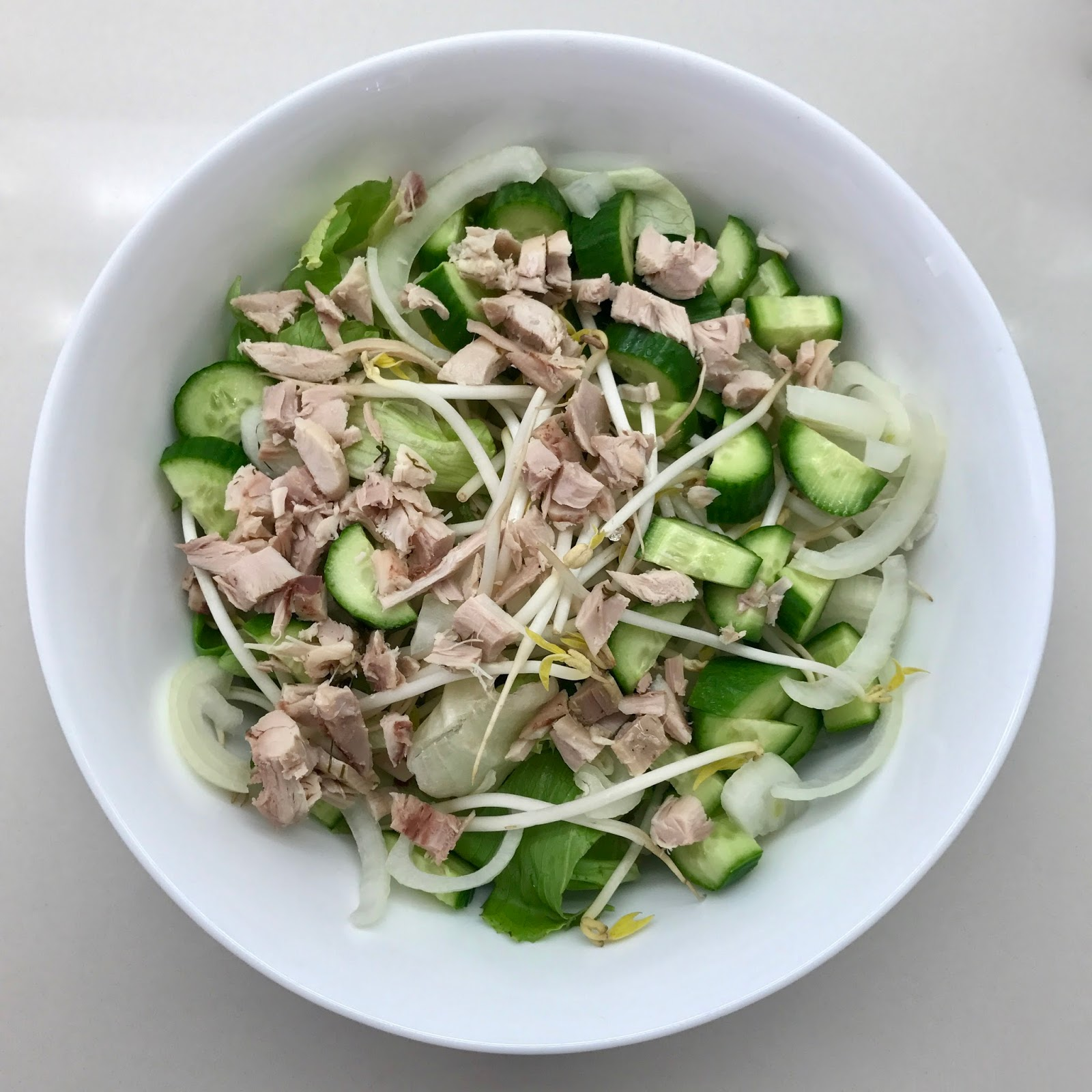 סלט ירוק עם עוף