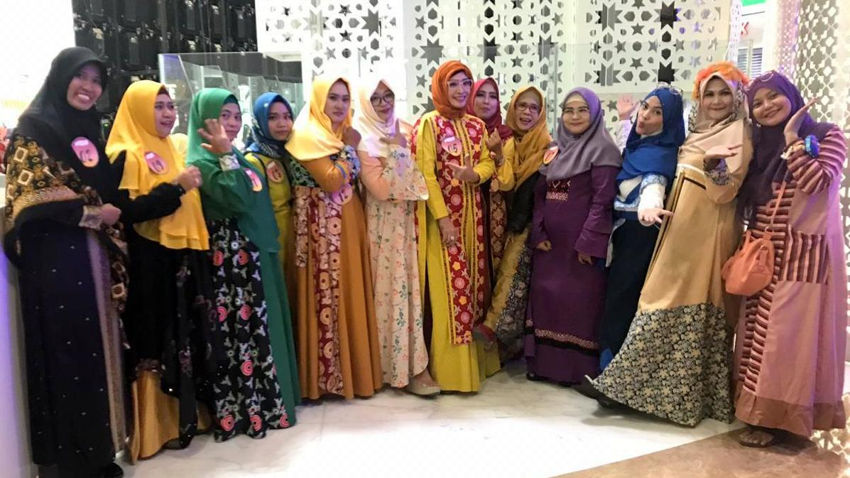 Finalis Moslem D'light Fashion Designer Competition