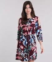 O charme do modelo é a estampa floral diferenciada e a modelagem open shoulder