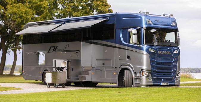 Caminhões Scania V8 são transformados em motorhomes luxuosos de R$ 4.7 milhões
