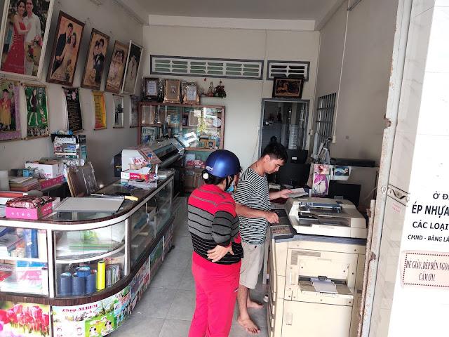 Tiệm Ngọc Điệp Song Phú, Tam Bình