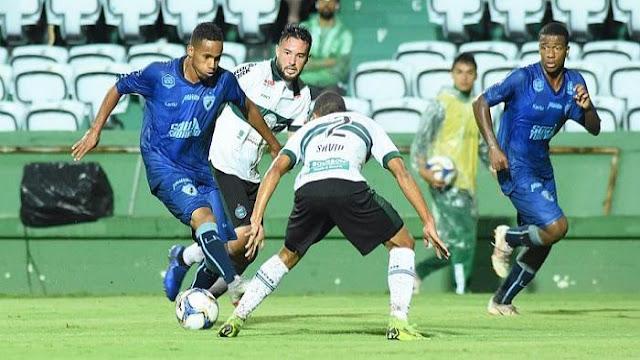 Londrina empata com o Coritiba e assume liderança do Paranaense