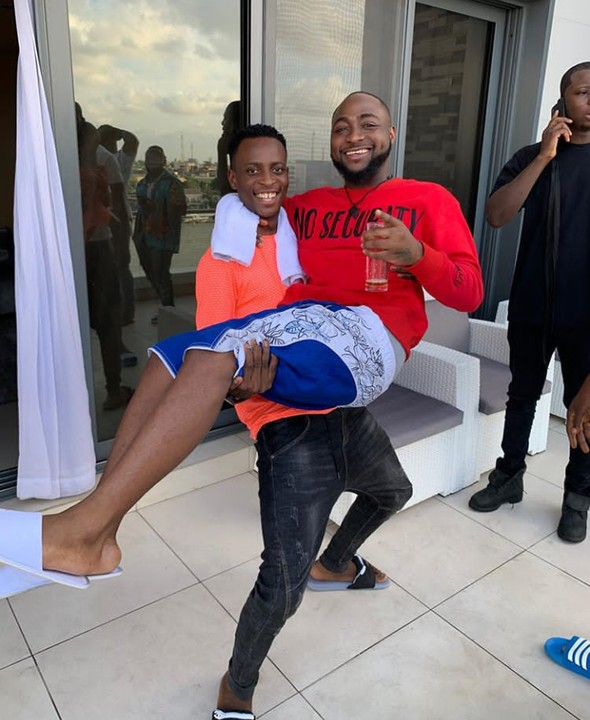 Comedian Sydneytalker Features Davido in his latest comic skit (Video)
