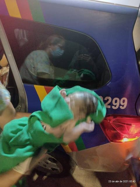 Bebê nasce dentro de viatura com a ajuda de policiais militares no Recife