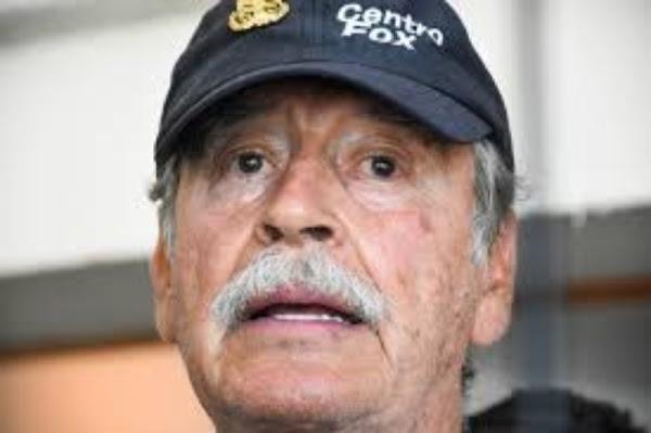 """Fox Felícita a Felipe Calderón por haber donado su pensión para niños con cáncer """"CALDERON FUE UN EXCELENTE PRESIDENTE"""""""