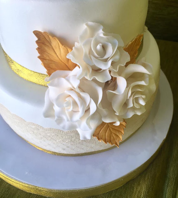 Bouque flores  rosas perfectas dorado tarda bodas de oro tarta flores azucar fondant Gandia Ontinyent Xativa Alcoy