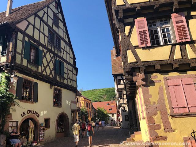 Riquewhir, el pueblo más bonito de Alsacia | Alsacia y Selva Negra en autocaravana