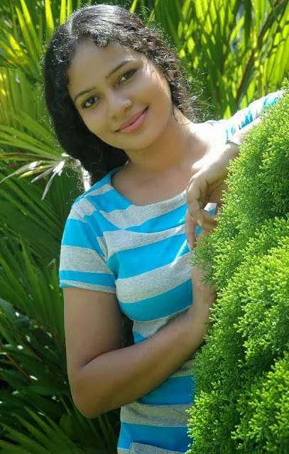 chat with Actress Umayangana. Sri Lankan famous actress umayangana wickramasinghe