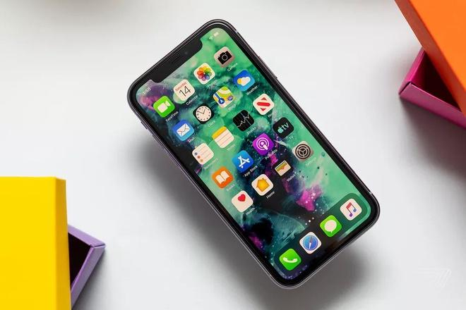 iPhone 12 dùng pin rẻ hơn iPhone 11