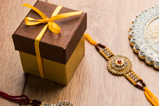 Top Astonishing Rakhi Gifts to Greet Your Dear Brother