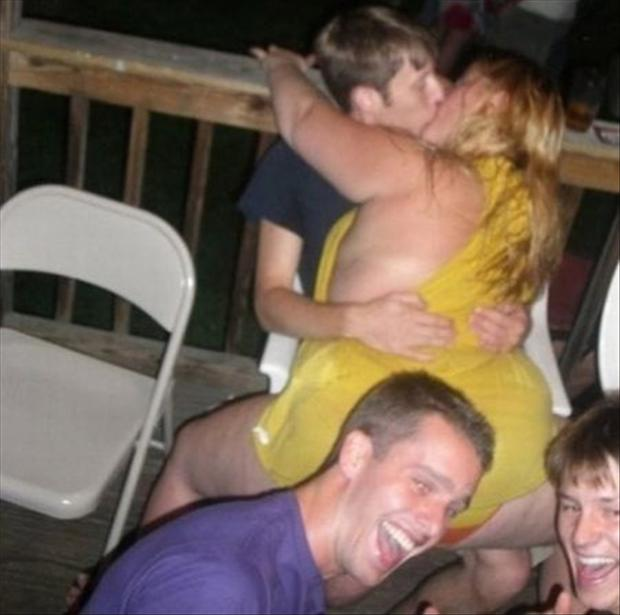 36 Most Romantic Perfectly Timed Photos Ever Taken   WittyMania