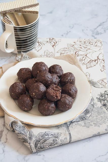 tartufini con wafer e cioccolato fondente