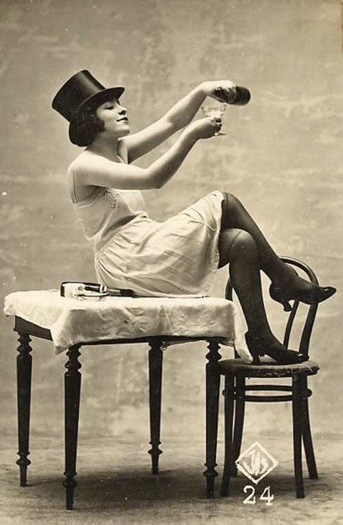 vintage everyday: Beautiful and Sexy Vintage Woman Cabinet ...