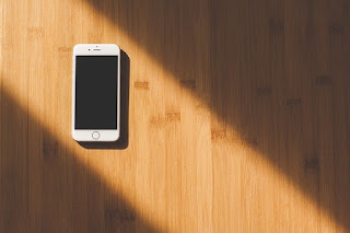 Bahaya! Jangan Pernah Letakkan Smartphone Kamu di 5 Tempat Ini