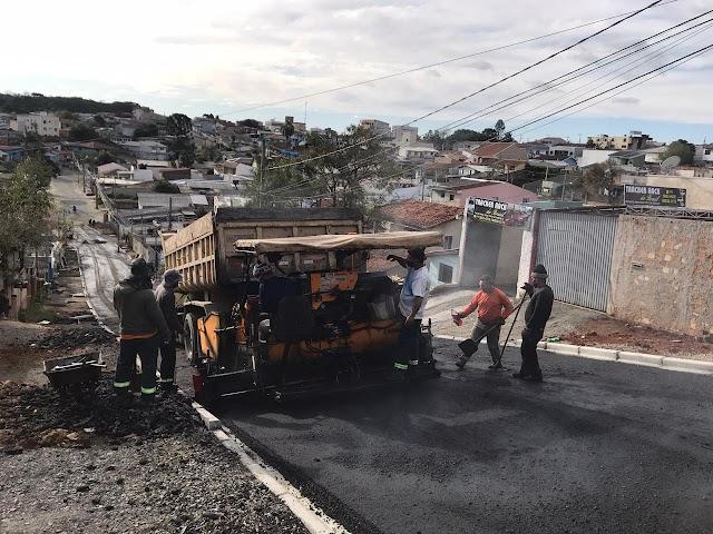 Prefeitura leva asfalto novo a Rua Gonçalves Dias