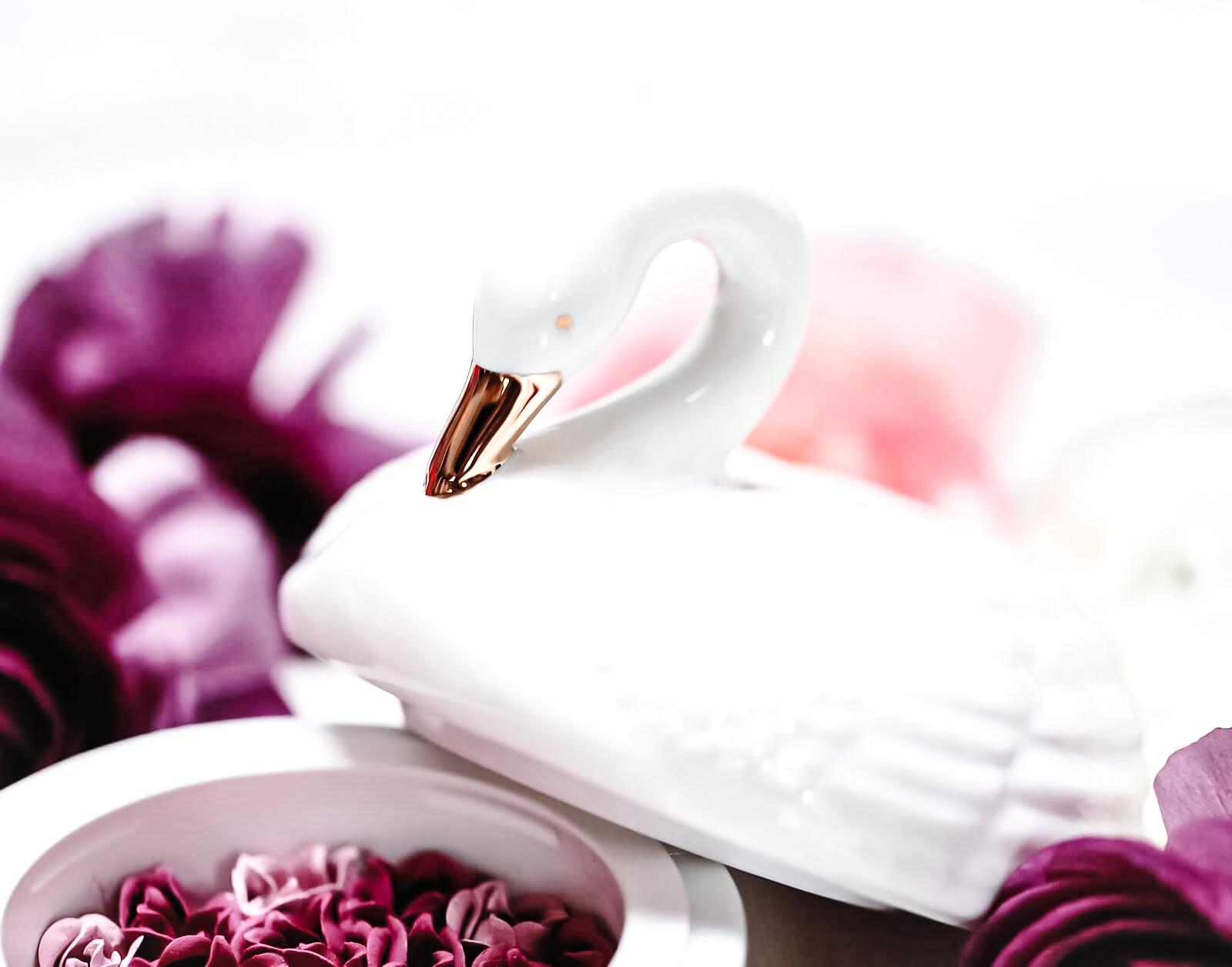 Ladurée Les Merveilleuses Blush Noel 2019 Cygne