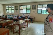 Cegah Cluster Baru di Sekolah, Kapolsek Cadasari Lakukan 3 K Dengan Satgas Covid-19 Tinjau PTM