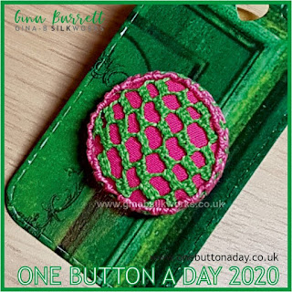 One Button a Day 2020 by Gina Barrett - Day 135 : Fourteenth Lace Stitch