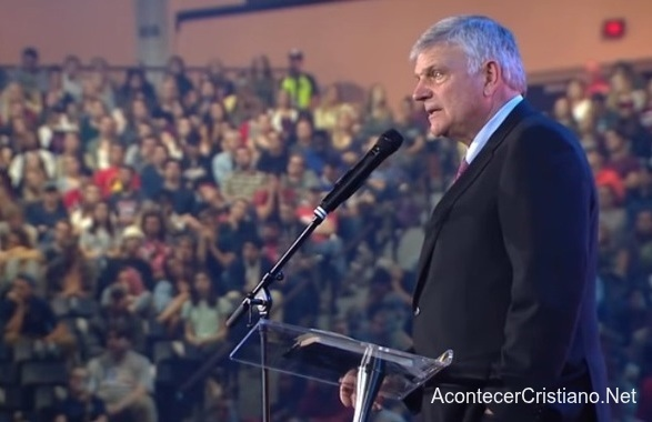 Sermón de Franklin Graham ante estudiantes universitarios