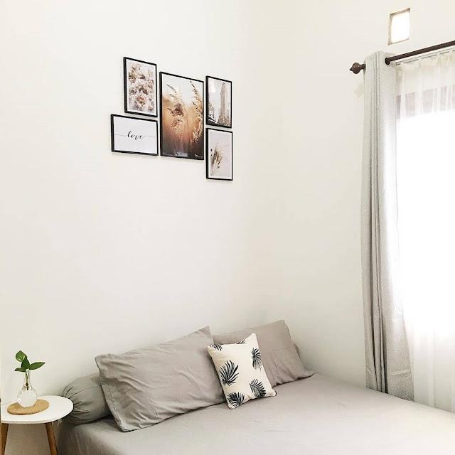 Desain Kamar Tidur Sempit dengan Warna Cerah