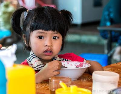 Beau visage - enfant - Ngapali - Thandwe market - Birmanie