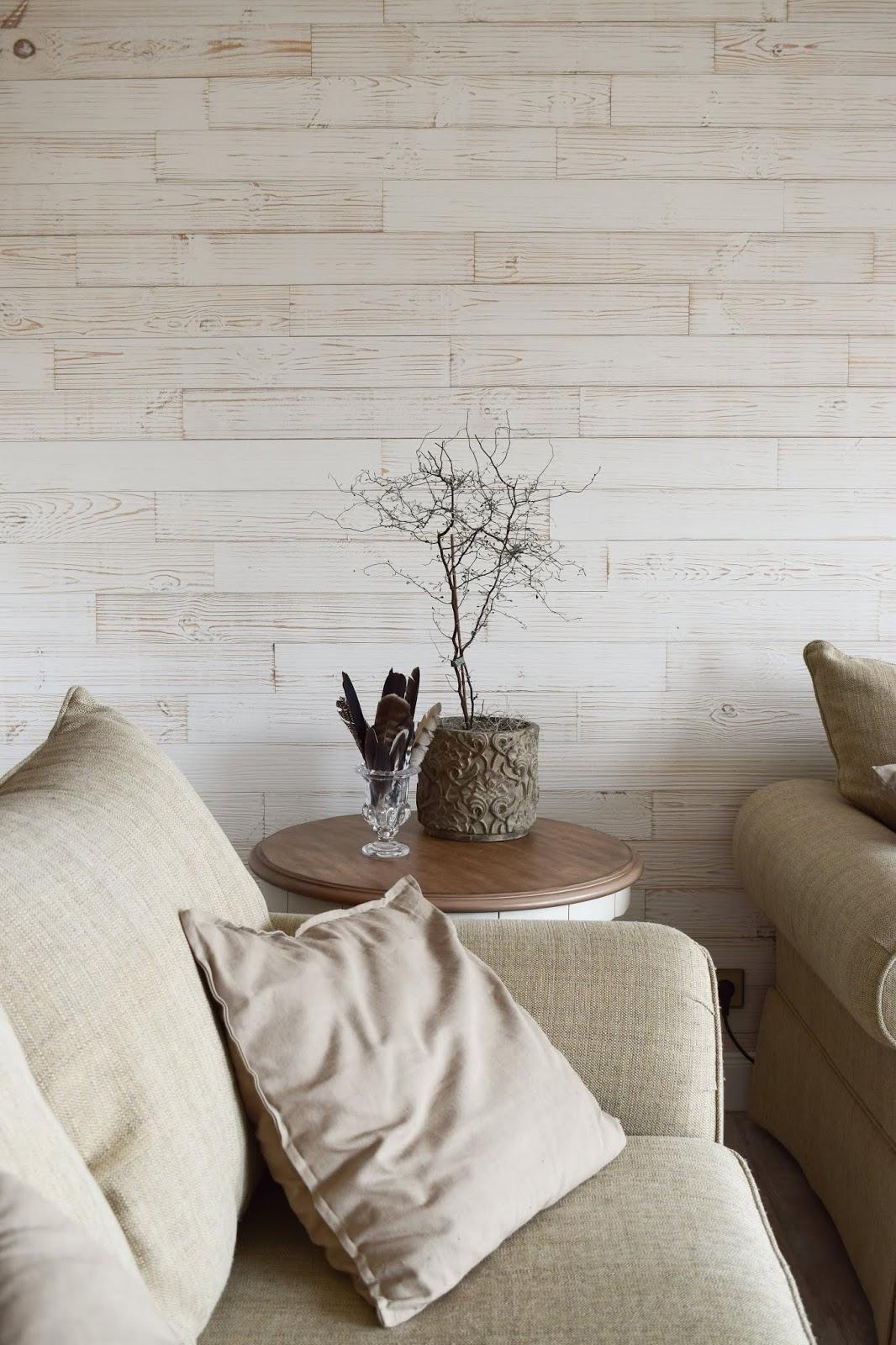 Wohnzimmer Dekoidee Wandverkleidung Holz Wandwood Deko Einrichtung Holzwand Renovierung renovieren DIY Selbermachen einrichten