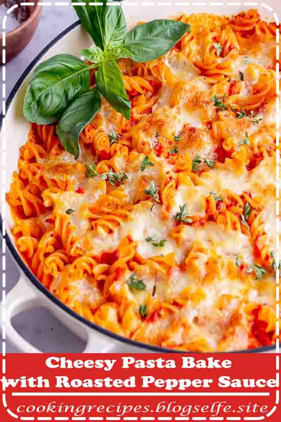 4.9 ★★★★★ | This cheesy pasta bake is a vegetarian feast! It's so easy to make with a flavourful roasted red pepper sauce and mozzarella topping. Try this recipe for your next simple family dinner. #vegetarian #recipes #easy #dinner #pasta #noodles