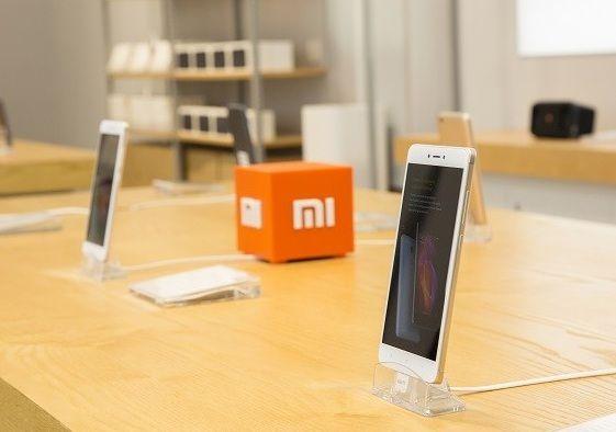 Xiaomi Buat Teknologi Pengisian Baterai 200W