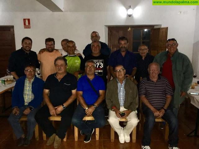 Ex-árbitros de fútbol de diferentes islas se reunieron ayer en Garafía