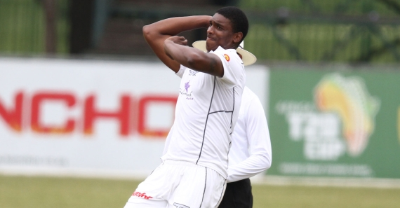 Kerwin Mungroo bowling - Hollywoodbets Dolphins - Sunfoil Series