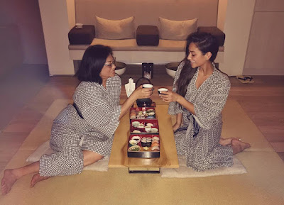 PLL actress Shay Mitchell with her mom on Mother's Day eating sushi at the spa