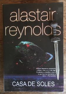 Portada del libro Casa de Soles, de Alastair Reynolds