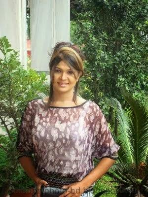 Bangladeshi Popular Model & Actress Shimla's Unseen Photos With Biography