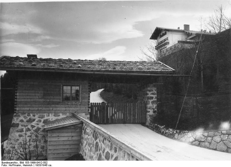 View on the guardhouse & the Berghof from 1933-1945
