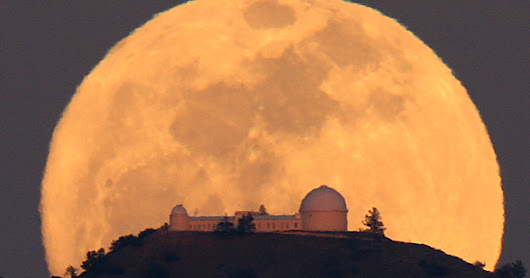 "Enjoy Sunday and Monday's ""Supermoon"" But Don't Fall for the Hype!"