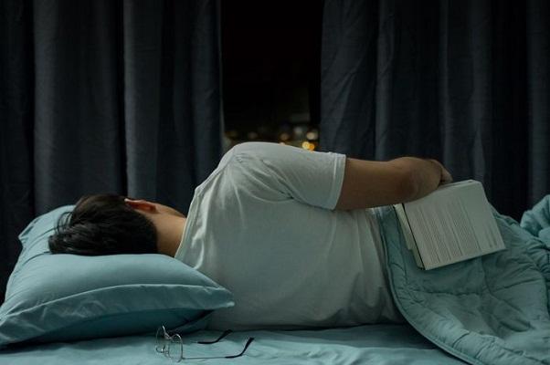 Manfaat Tidur Miring Ke Kanan