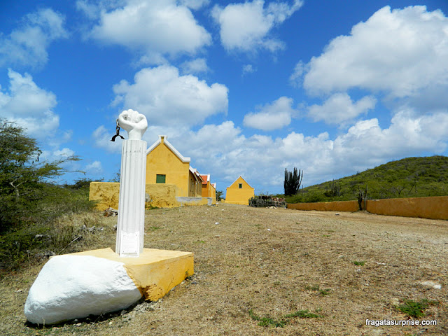 Monumento lembra a rebelião de escravos em Curaçao