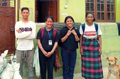 Lhadon, Lhamo, Mingdi y Sonam antes de volver a su aldea en Dolpo, Nepal.