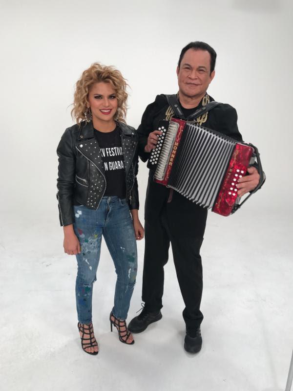 Festival-en-Guararé-voz-Adriana-Lucía-Alfredo-Gutiérrez
