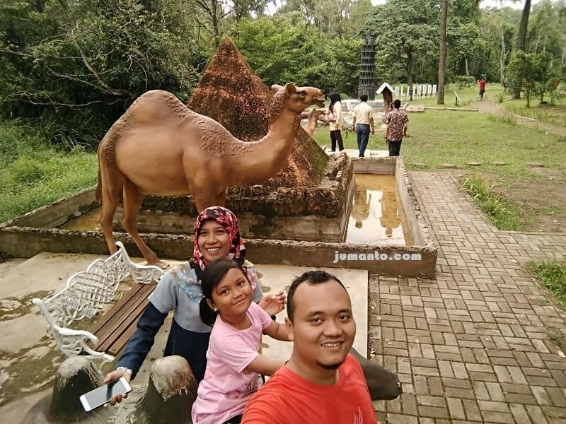 miniatur keajaiban dunia di taman wisata alam punti kayu palembang
