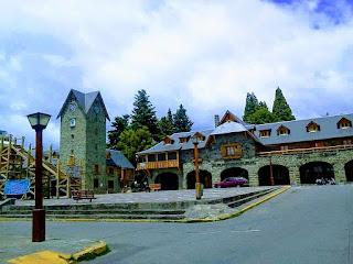 En Bariloche  esta el importante centro turistico como elCerro Cívico
