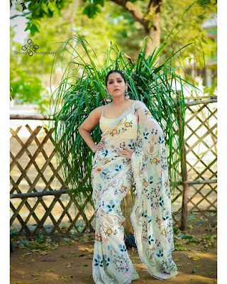Anchor Rashmi Gautam Latest Saree Photoshoot