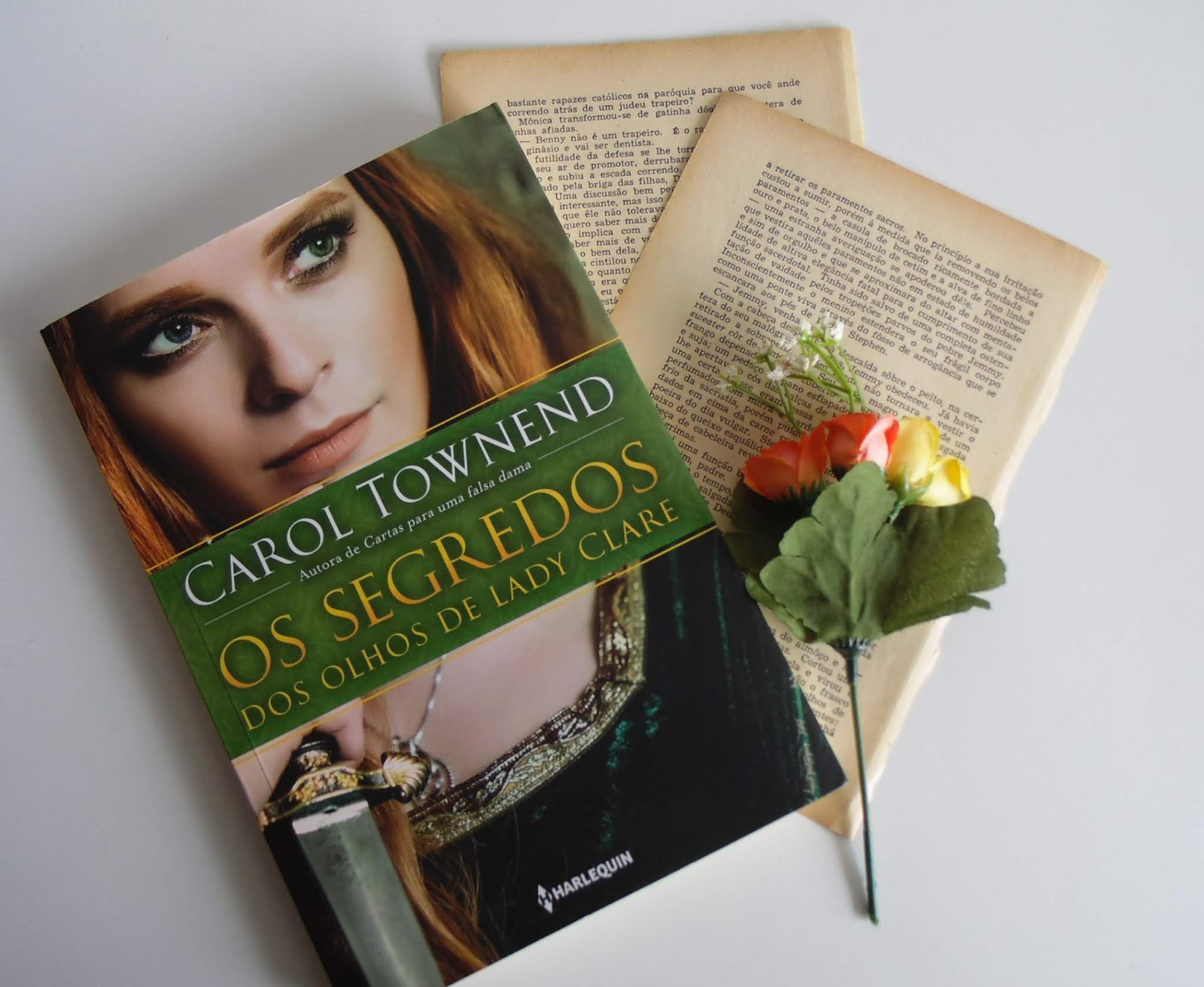 [RESENHA] Os Segredos dos Olhos de Lady Clare - Carol Townend (Harlequin)