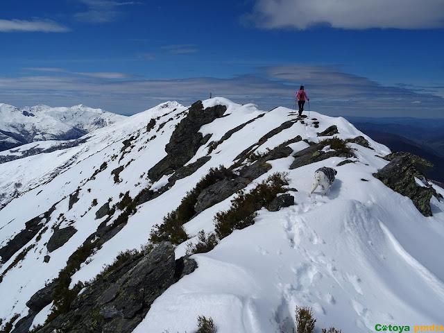 Hacia la cima del Teso Mular