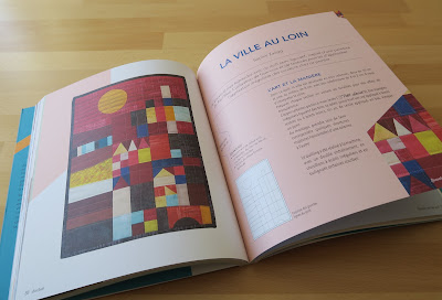 Luna Lovequilt - My mini quilt La ville au loin featured in BeeBook