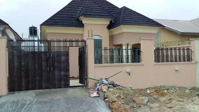 Destress sales: 3 bedroom bungalow with boys quarter for sale