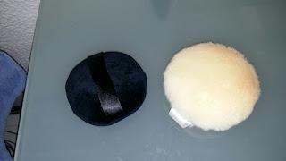 borlas y brochas para aplicar polvos minerales,
