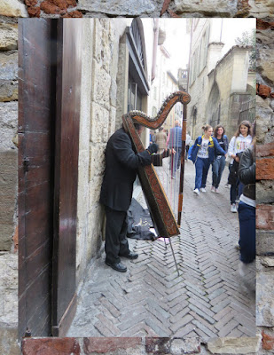 A harp serenade on a Bergamo weekend