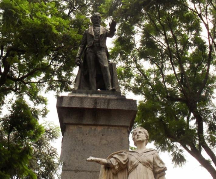 Plaza Juan José Paso